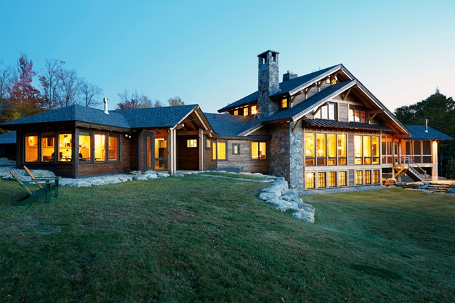EUROPEAN-INSPIRED MOUNTAIN CHALET